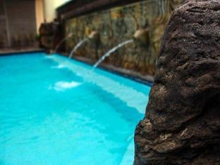 Asian Mansion II Condotel Manila - Swimming Pool