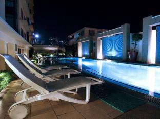 Astoria Plaza Full Service Residential Suites Manila - Swimming Pool