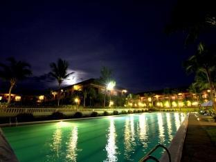 Fort Ilocandia Resort Hotel Laoag - Swimming pool