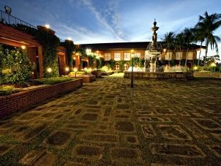 Fort Ilocandia Resort Hotel Laoag - Surroundings