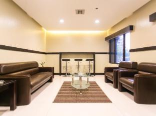 The Linden Suites Manila - Smoking Area