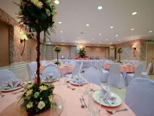 Orchid Garden Suites Manila - Meeting Room