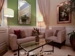 Orchid Garden Suites Manila - Lobby