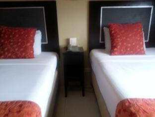 Orchid Garden Suites Manila - Guest Room