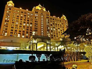 Waterfront Cebu City Hotel and Casino Cebu - Exterior