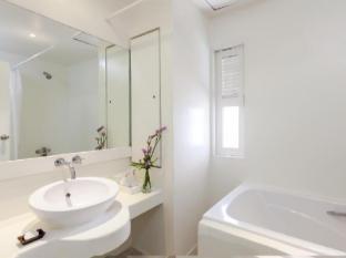 Tuana The Phulin Resort Phuket - Bathroom