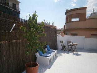 /casa-al-sur-terraza-hostel/hotel/malaga-es.html?asq=vrkGgIUsL%2bbahMd1T3QaFc8vtOD6pz9C2Mlrix6aGww%3d