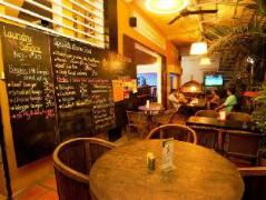 Laughing Fatman Guesthouse | Cambodia Hotels