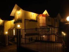 Chavindya Holiday Resort | Sri Lanka Budget Hotels
