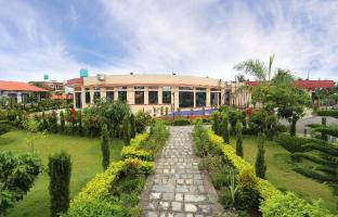 /hotel-seven-star/hotel/chitwan-np.html?asq=5VS4rPxIcpCoBEKGzfKvtIGg5XkW84ajqwzdyn2lE7WonxreC2zombmcwObpXlW3O4X7LM%2fhMJowx7ZPqPly3A%3d%3d
