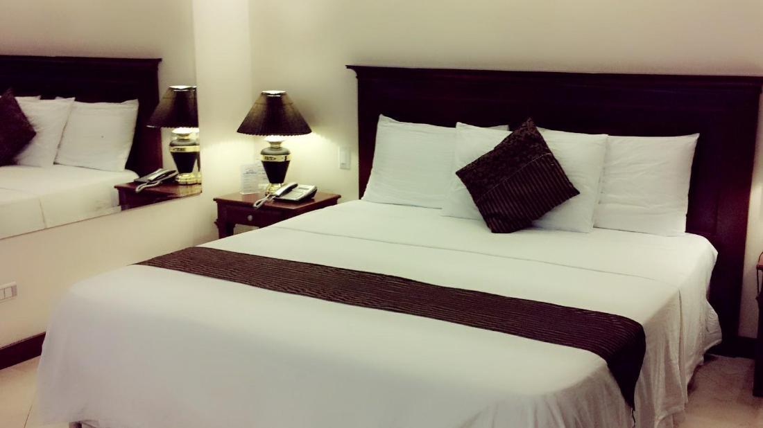 ヴァレンティノズ ホテル (Valentinos Hotel)