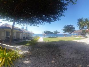 サン ザイ ビーチ クラブ