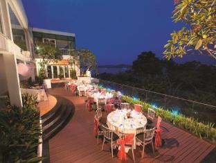 Village Hotel Changi by Far East Hospitality Singapore - Rooftop Dinner