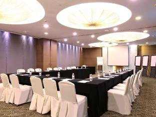 Village Hotel Changi by Far East Hospitality Singapore - Meeting Room