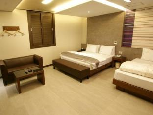 /goryeo-hotel/hotel/andong-si-kr.html?asq=jGXBHFvRg5Z51Emf%2fbXG4w%3d%3d