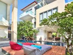 Echo Beach Resort, Indonesia