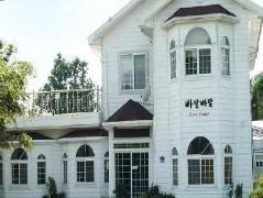Padampadam Guesthouse   South Korea Budget Hotels