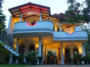 /sv-se/hotel-river-front/hotel/yala-lk.html?asq=vrkGgIUsL%2bbahMd1T3QaFc8vtOD6pz9C2Mlrix6aGww%3d