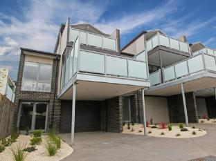 /7-falls-apartments/hotel/great-ocean-road-apollo-bay-au.html?asq=jGXBHFvRg5Z51Emf%2fbXG4w%3d%3d