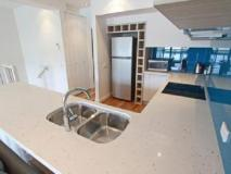 7 Falls Apartments: kitchen