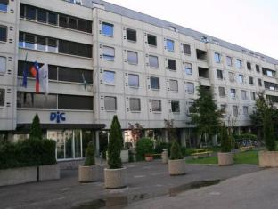 /hostel-dic/hotel/ljubljana-si.html?asq=5VS4rPxIcpCoBEKGzfKvtBRhyPmehrph%2bgkt1T159fjNrXDlbKdjXCz25qsfVmYT