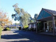 Melaleuca Lodge   Australia Hotels Melbourne