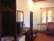 Senehuaphan Guesthouse: guest room
