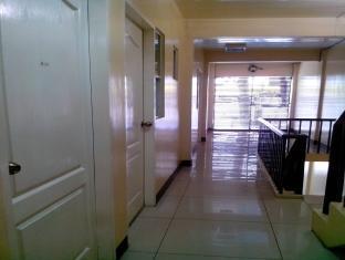 The Voyageurs Inn Manila - Hallway