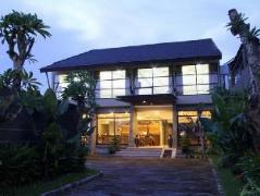 Ommaya Hotel and Resort | Indonesia Budget Hotels
