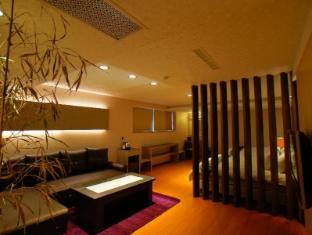/dafeng-hotel/hotel/chiayi-tw.html?asq=vrkGgIUsL%2bbahMd1T3QaFc8vtOD6pz9C2Mlrix6aGww%3d