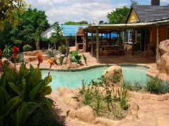Flintstones Guest House Fourways - South Africa Discount Hotels