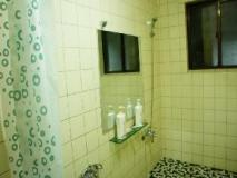 Military Guesthouse: bathroom