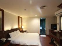 Camp David Business Hotel: guest room