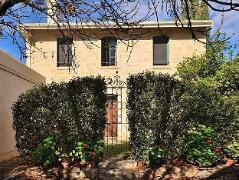 Mallyons Executive Villas Australia