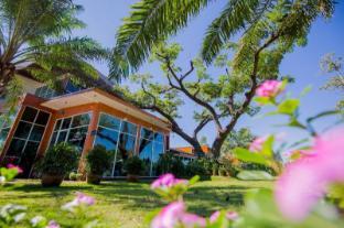 /baansuan-khunta-golf-resort/hotel/ubon-ratchathani-th.html?asq=jGXBHFvRg5Z51Emf%2fbXG4w%3d%3d