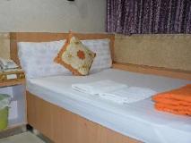 Everest Hostel: interior