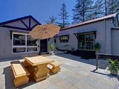 3 Little Pigs Holiday House | Australia Budget Hotels