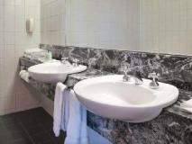 Bayview Eden Hotel: bathroom