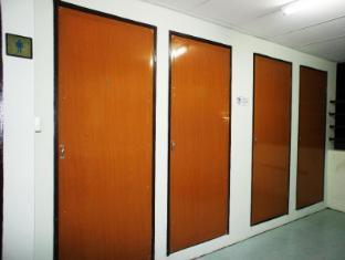 Hotel 48 Room-for-Rent Kuching - Shared Bathroom/Shower