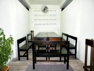 Hotel 48 Room-for-Rent Kuching - Lounge