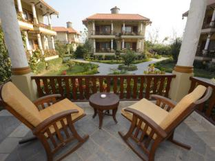 Green Park Resort Chitwan Chitwan - Rocking Chairs
