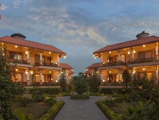 Green Park Resort Chitwan Chitwan - Exterior Evening