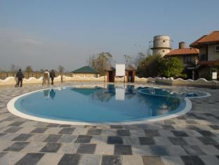 Green Park Resort Chitwan Chitwan - Piscina