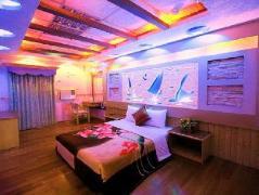 Little Sailboat Hostel | Taiwan Budget Hotels