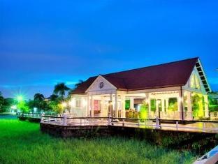 /hotel-torarica-and-casino/hotel/paramaribo-sr.html?asq=vrkGgIUsL%2bbahMd1T3QaFc8vtOD6pz9C2Mlrix6aGww%3d