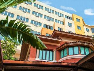 /hotel-royal-oasis/hotel/port-au-prince-ht.html?asq=vrkGgIUsL%2bbahMd1T3QaFc8vtOD6pz9C2Mlrix6aGww%3d