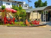 The Rock Villa: garden