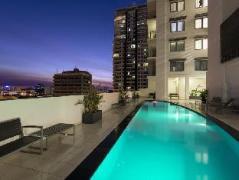 Elan Soho Suites | Australia Budget Hotels