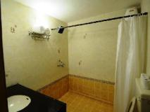 Hotel Silver Sands Sunshine - Angaara: bathroom