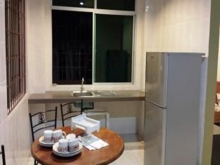 Eden Staycation Apartment Kuching - Dining Area